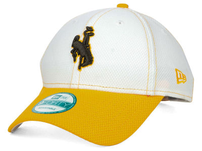 Wyoming Cowboys New Era NCAA Fundamental Tech 9FORTY Cap