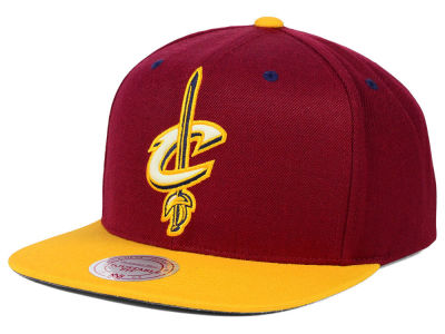Cleveland Cavaliers Mitchell and Ness NBA Reflective XL Logo Snapback Cap