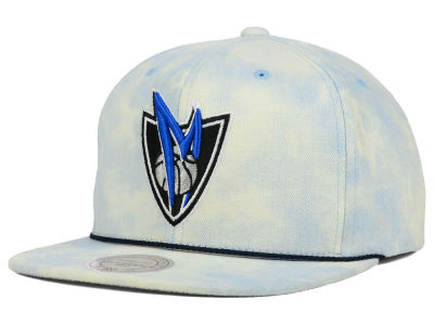 Dallas Mavericks Mitchell and Ness NBA Light Acid Snapback Cap