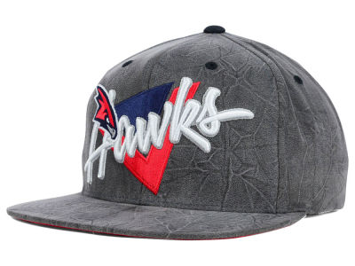 Atlanta Hawks Mitchell and Ness NBA Creased Script Snapback Cap