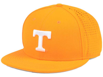 Tennessee Volunteers Nike NCAA Authentic Vapor Fitted Cap