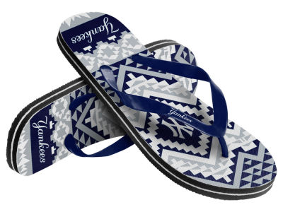 New York Yankees Women's Aztec Flip Flops