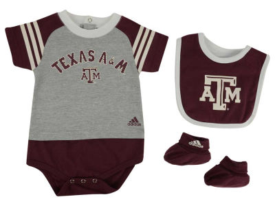 Texas A&M Aggies NCAA Newborn Little Kicker Set