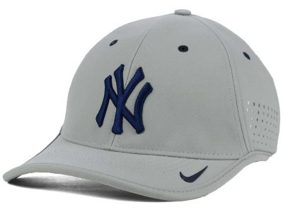 New York Yankees Nike MLB Vapor Swoosh Adjustable Cap
