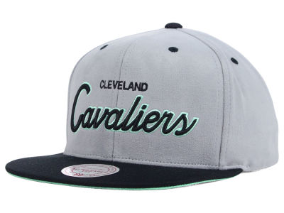 Cleveland Cavaliers Mitchell and Ness NBA Lady of Liberty Snapback Cap