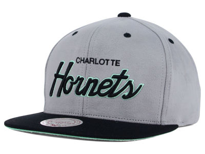 Charlotte Hornets Mitchell and Ness NBA Lady of Liberty Snapback Cap