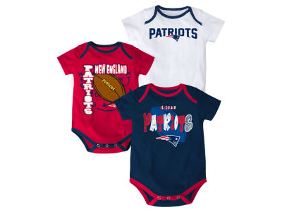 New England Patriots NFL Infant 3 Point Spread Body Suit Set