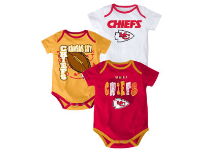 Kansas City Chiefs NFL Newborn 3 Point Spread Body Suit Set