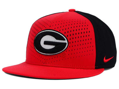 Georgia Bulldogs Nike NCAA True Seasonal Snapback Cap