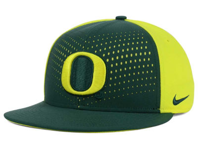 Oregon Ducks Nike NCAA True Seasonal Snapback Cap