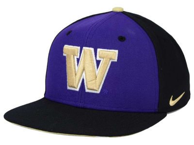 Washington Huskies Nike NCAA Pro Verbiage Snapback Cap