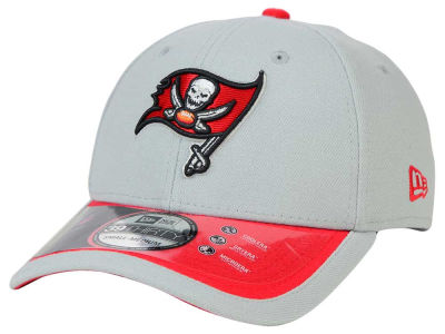 Tampa Bay Buccaneers New Era NFL 2015 On Field Reverse 39THIRTY Cap