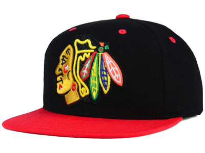 Chicago Blackhawks Reebok NHL Cross Checking Snapback Cap