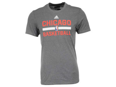 Chicago Bulls adidas NBA Men's On Court Graphic Aeroknit T-Shirt