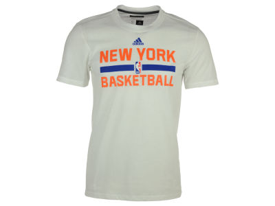 New York Knicks adidas NBA Men's On Court Graphic Aeroknit T-Shirt