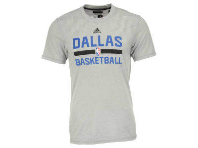 Dallas Mavericks adidas NBA Men's On Court Graphic Aeroknit T-Shirt