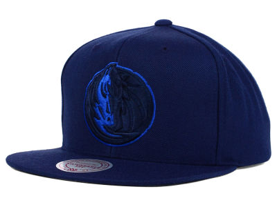 Dallas Mavericks Mitchell and Ness NBA Undeterred Snapback Cap