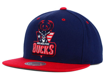 Milwaukee Bucks Mitchell and Ness NBA American Hoops Snapback Cap