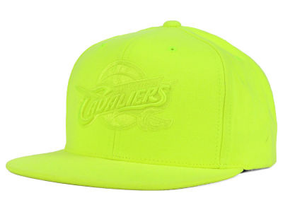 Cleveland Cavaliers Mitchell and Ness NBA Highlight Snapback Cap