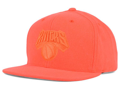 New York Knicks Mitchell and Ness NBA Highlight Snapback Cap