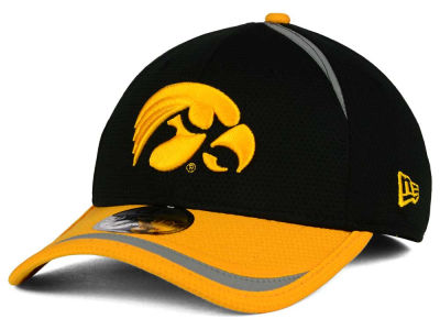 Iowa Hawkeyes New Era NCAA Stripe Stretch 39THIRTY Cap