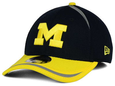 Michigan Wolverines New Era NCAA Stripe Stretch 39THIRTY Cap