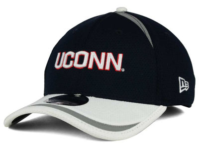 Connecticut Huskies New Era NCAA Stripe Stretch 39THIRTY Cap