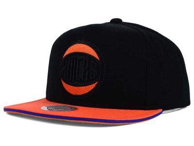 New York Knicks Mitchell and Ness NBA XL Blackout Snapback Cap
