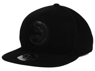 Atlanta Hawks Mitchell and Ness NBA Leather Logo Fitted Cap