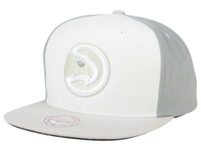 Atlanta Hawks Mitchell and Ness NBA White Wall Snapback Cap