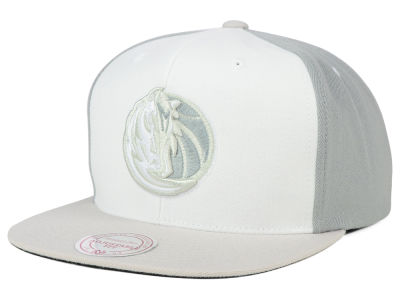 Dallas Mavericks Mitchell and Ness NBA White Wall Snapback Cap
