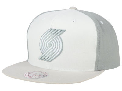 Portland Trail Blazers Mitchell and Ness NBA White Wall Snapback Cap