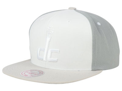 Washington Wizards Mitchell and Ness NBA White Wall Snapback Cap