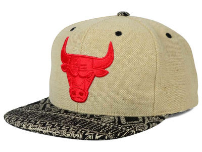 Chicago Bulls Mitchell and Ness NBA Hemp Crown Strapback Cap