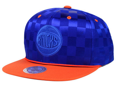 New York Knicks Mitchell and Ness NBA Upfield Snapback Cap