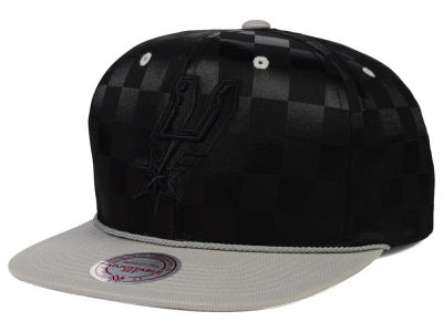 San Antonio Spurs Mitchell and Ness NBA Upfield Snapback Cap