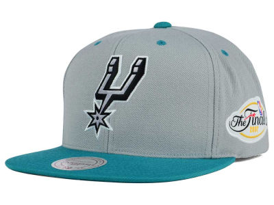 San Antonio Spurs Mitchell and Ness NBA HWC The Champs Snapback Cap
