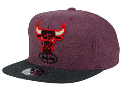 Chicago Bulls Mitchell and Ness NBA Heather Profile Fitted Cap