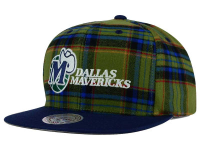 Dallas Mavericks Mitchell & Ness NBA Plaid It Snapback Cap