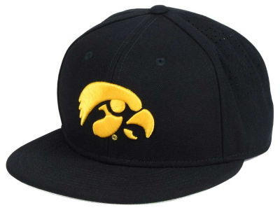 Iowa Hawkeyes Nike NCAA Authentic Vapor Fitted Cap