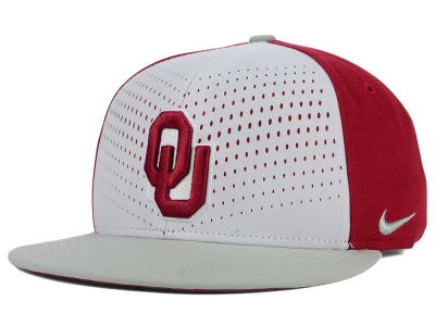 Oklahoma Sooners Nike NCAA True Seasonal Snapback Cap