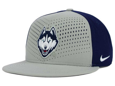 Connecticut Huskies Nike NCAA True Seasonal Snapback Cap