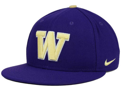 Washington Huskies Nike NCAA True Hardwood Seasonal Cap