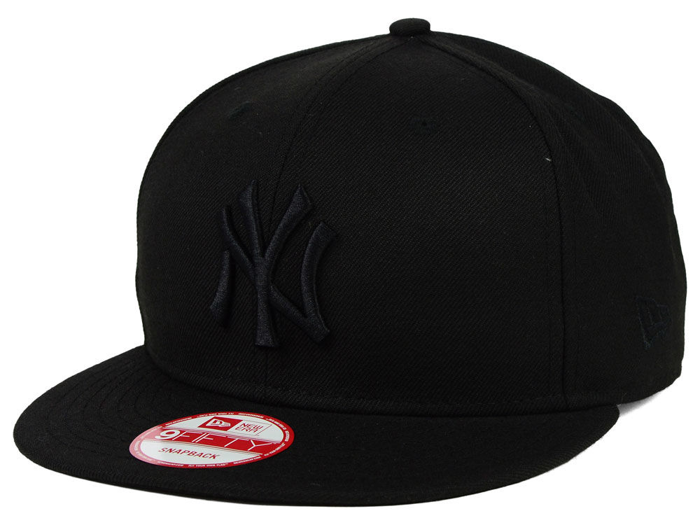 0c5830e7116 New York Yankees New Era MLB Black on Black 9FIFTY Snapback Cap ...