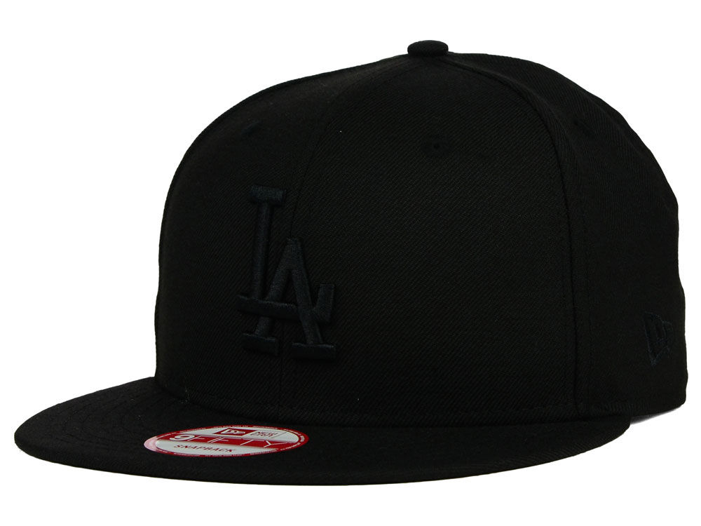 Los Angeles Dodgers New Era MLB Black on Black 9FIFTY Snapback Cap ... a31347a87ac