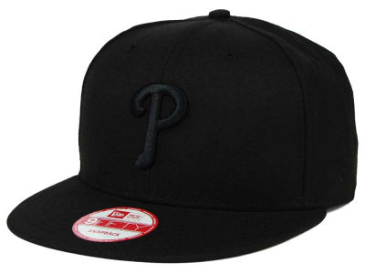 Philadelphia Phillies New Era MLB Black on Black 9FIFTY Snapback Cap