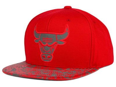 Chicago Bulls Mitchell and Ness NBA Digi Reflective Snapback Cap