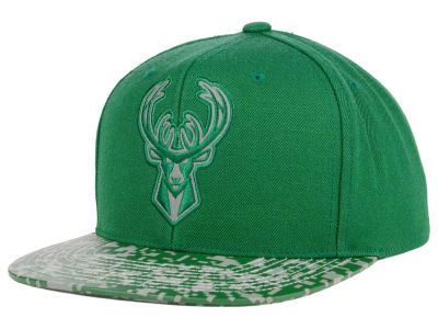 Milwaukee Bucks Mitchell and Ness NBA Digi Reflective Snapback Cap
