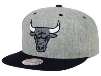 Chicago Bulls Mitchell and Ness NBA H-Reflective XL Snapback Cap