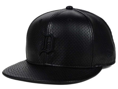 Detroit Tigers New Era MLB Black on Black Perforated 9FIFTY Snapback Cap